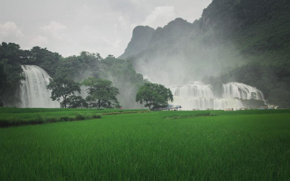 Waterfalls_960x600-min